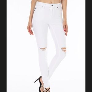 KanCan White distressed Jeans, size 15, NWT
